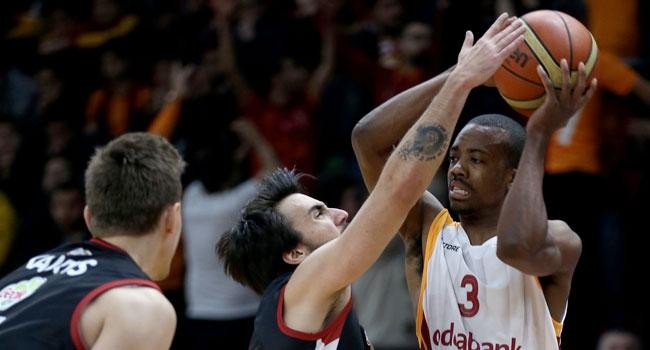 Galatasaray Odeabank, sahasında Muratbey Uşak Sportif'i yendi